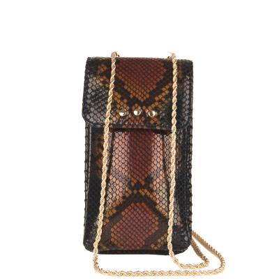 LOU - Pochette téléphone en cuir effet python